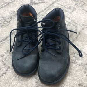 Timberland boots in navy leather size 9 toddler